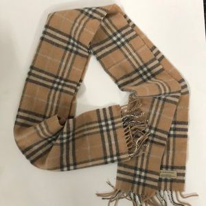 BURBERRY 100% Lambswool Plaid Scarf